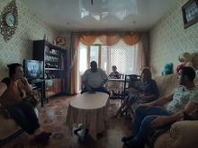 Փոխմարզպետ Գայանե Մարկոսյանն այցելեց ապրիլյան պատերազմի օրերին վիրավորված զինծառայող Վարժիկ Համբարյանին