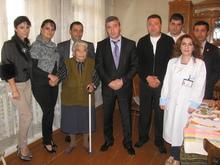 Միջազգային օրվա կապակցությամբ տարեցներին շնորհավորեցին Լոռու մարզպետն ու փոխմարզպետը